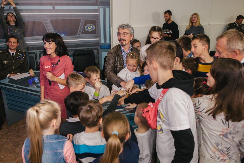 Олександр Ткаченко з дітьми