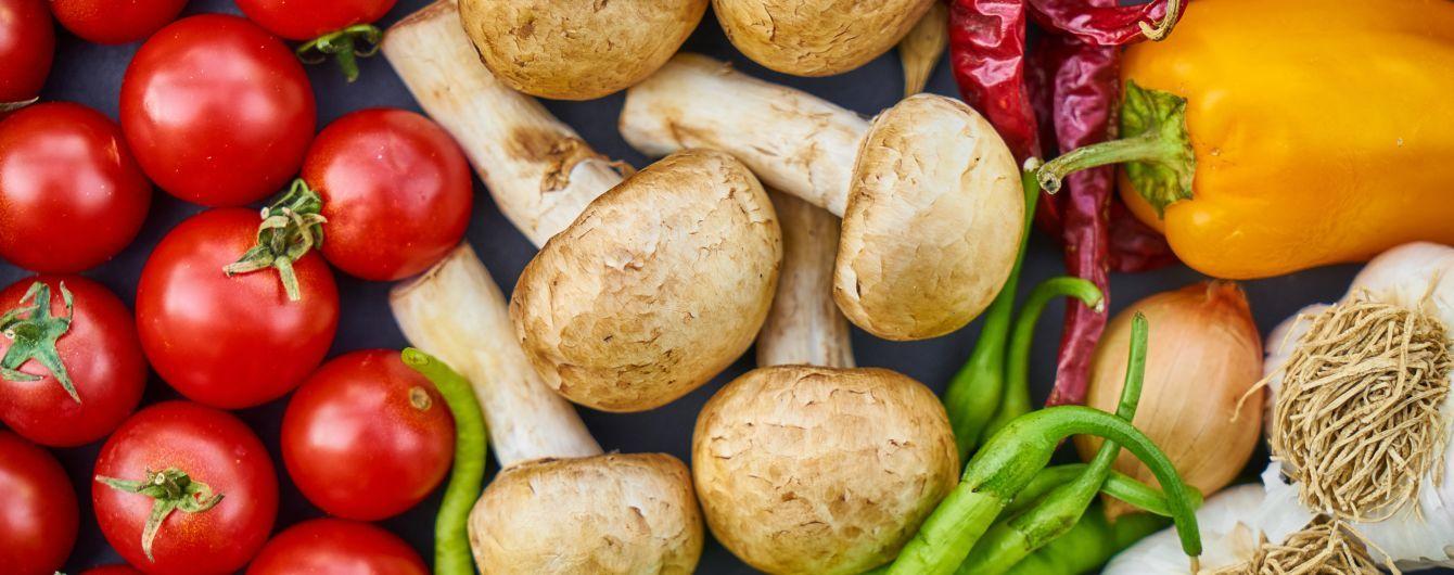 Овочі та фрукти починають зникати на українських ринках. Що купувати та як заготовити на зиму