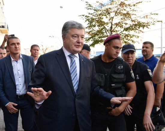 Порошенко порадив Зеленському не зустрічатись з Путіним віч-на-віч