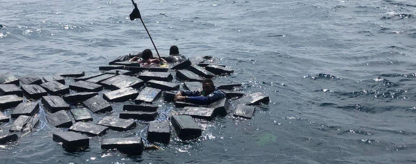 На пляжі у Франції викинуло майже тонну кокаїну