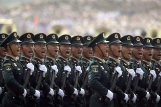 В Китае провели крупнейший в истории военный парад. Власти раздали сотни тысяч телевизоров, чтобы его увидели все