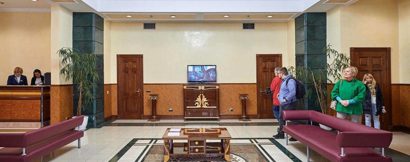 На київському залізничному вокзалі відкрили зал відпочинку для військових