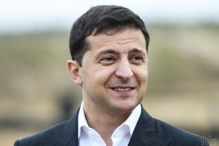 Зеленский снова пошутил о поведении своего пресс-секретаря Мендель