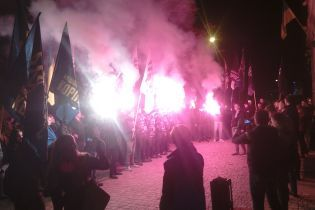 """Следом за Киевом во Львове, Харькове и Мариуполе люди вышли на протесты против """"формулы Штайнмайера"""""""