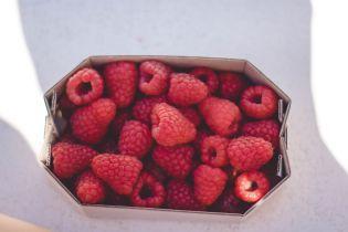 Рекордное подорожание: в Украине малина поднялась в цене