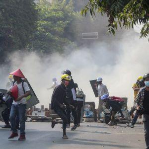 Госпереворот в Мьянме: число погибших в протестах против хунты превысило полтысячи