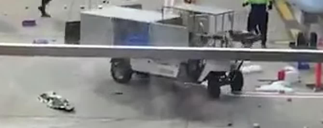 """""""Обезумевший"""" беспилотник переполошил аэропорт в Чикаго. Видео"""
