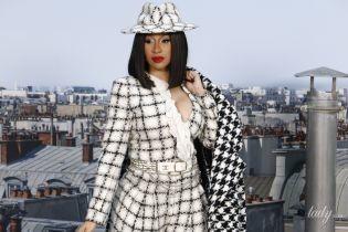 """В твидовом пальто с принтом """"собачий зуб"""": Cardi B в эффектном луке появилась на модном шоу"""