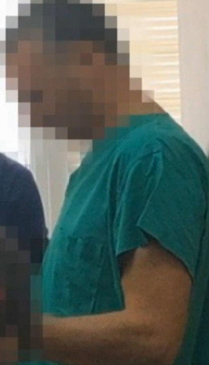 На получении взятки поймали заведующего отделением трансплантации печени Института Шалимова