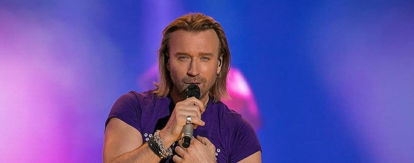 Концерт Олега Винника у Сумах намагалися зірвати активісти з віниками