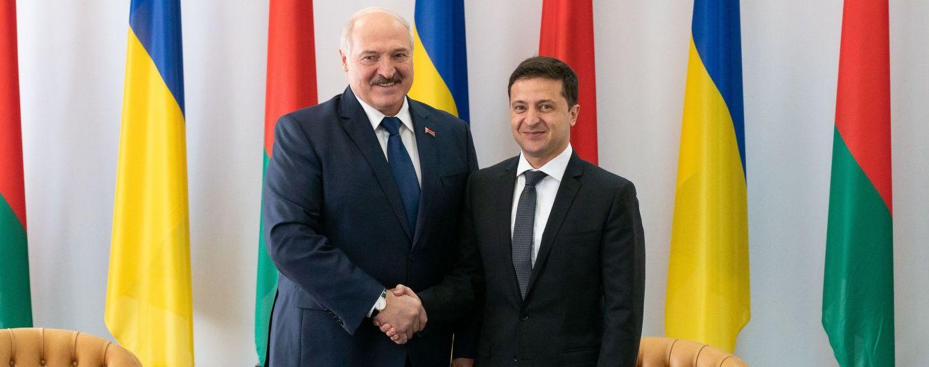 """""""Ви ніколи не матимете проблем із Білоруссю"""". Лукашенко вперше зустрівся з Зеленським у Житомирі"""