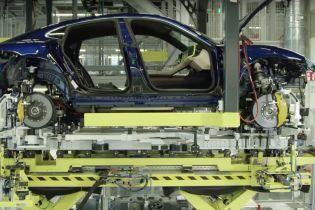 Производство первого электрокара Porsche показали на видео