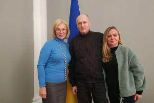В Украину вернулся осужденный в Беларуси журналист Павел Шаройко