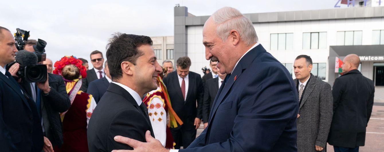 Зеленский празднует 42-й день рождения: его уже поздравили жена и Лукашенко