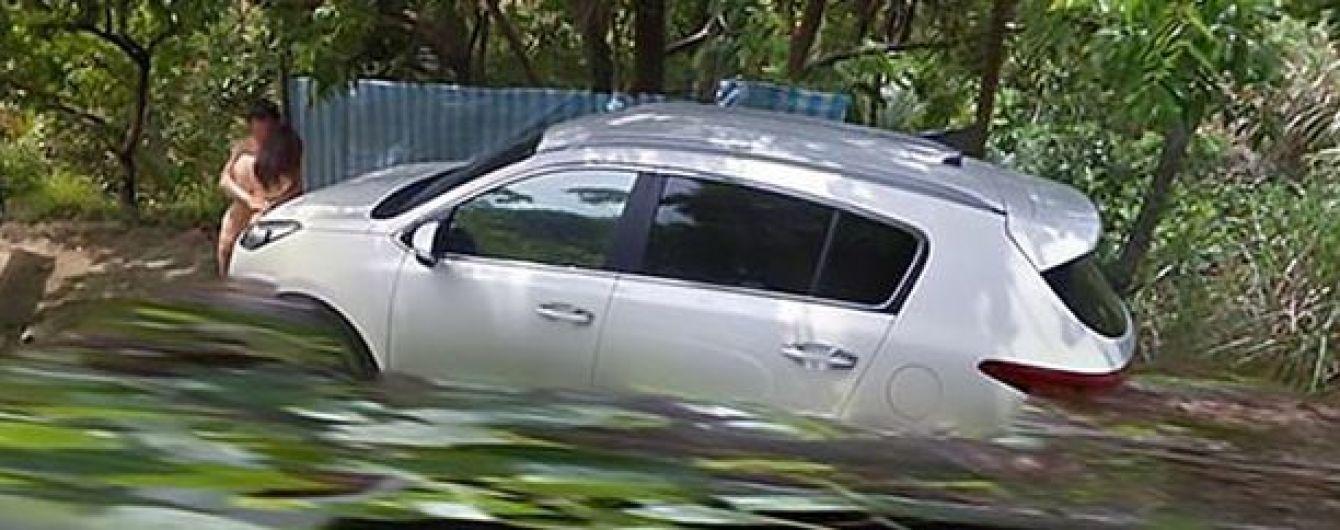 Автосекс среди дороги на Тайване. На картах Google нашли пикантное зрелище