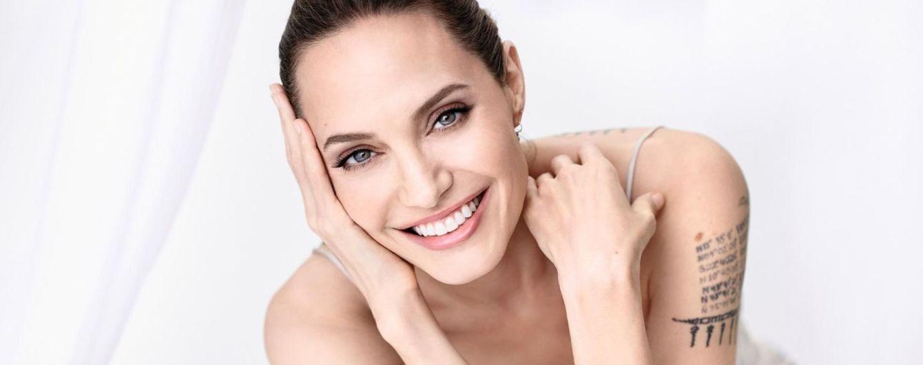 """""""Было очень больно"""": Анджелина Джоли впервые заговорила о разводе с Брэдом Питтом"""