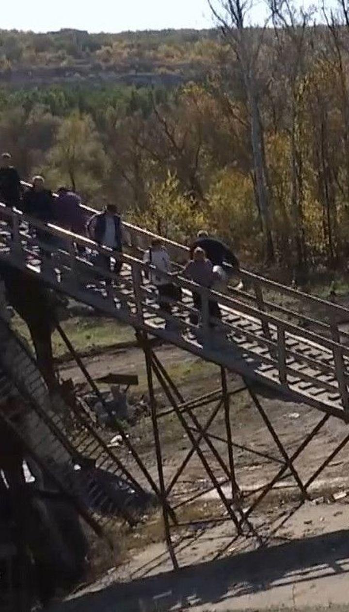 У Станиці Луганській запрацював допоміжний міст через річку Сіверський Донець
