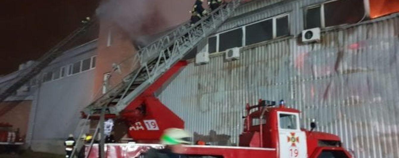 Закорочення або підпал: названі перші можливі причини масштабної пожежі в Дніпрі
