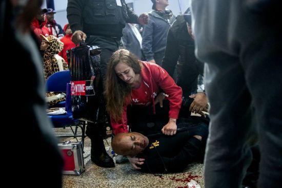 Екстренера Усика та Кличка жорстоко побили під час церемонії зважування