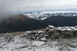 В Карпатах вновь пошел снег