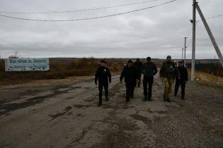 Полиция обещает усилить охрану в зоне разведения войск на Донбассе