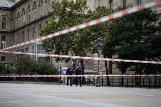 Премьер Франции анонсировал проверки спецслужб после резни в полицейском участке