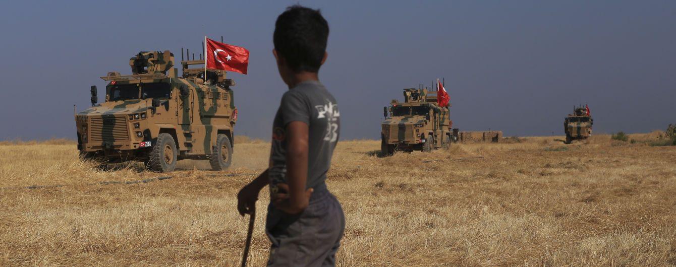 Турция стягивает войска на границу после заявления Эрдогана о вторжении в Сирию