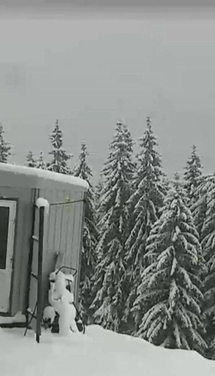 """Схили """"Буковелю"""" вкрив 30-сантиметровий шар снігу"""