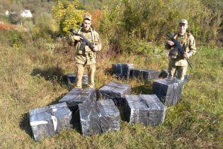 Украинцы в гидрокостюмах пытались переправить через границу тюки с сигаретами