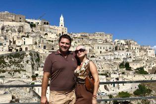 Фигуристая Екатерина Бужинская поделилась фото с отдыха в Италии с мужем