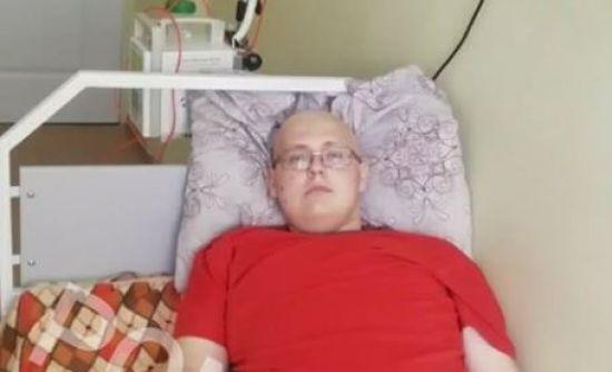 Тривале і дороге лікування може зберегти життя Дмитру