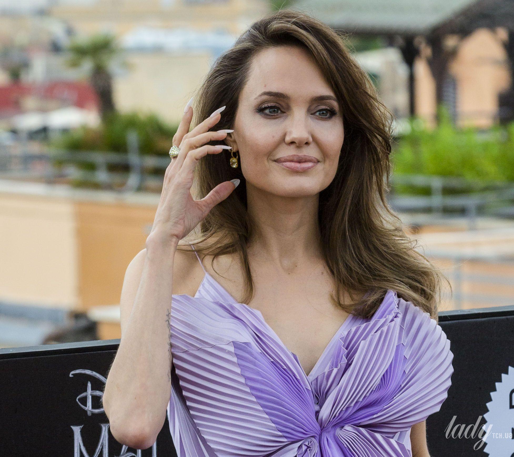 Анджелина Джоли_4