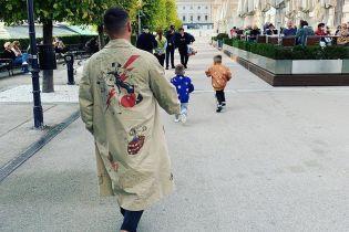 MONATIK растрогал новыми фото со своими сыновьями