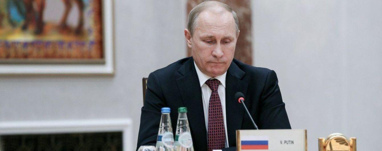 """Путин требует от Украины продлить срок действия закона об """"особом статусе"""" Донбасса"""