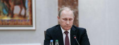"""Путін вимагає від України подовжити термін дії закону про """"особливий статус"""" Донбасу"""