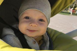 Огромная злокачественная опухоль мешает крошечному Артуру дышать и ставит жизнь под угрозу