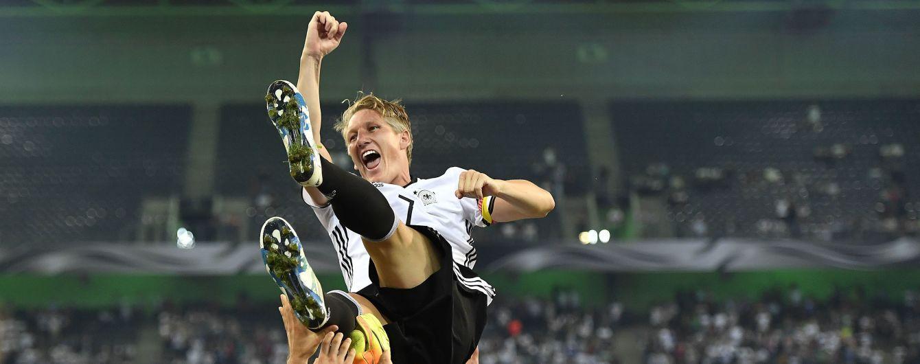 Футболист Швайнштайгер объявил о завершении карьеры