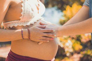 Безпечна вагітність під час спалаху COVID-19. В ООН розповіли, як майбутнім матусям уникнути зараження