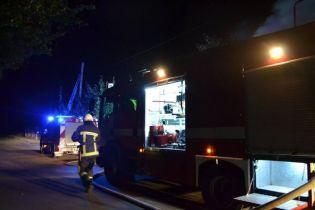 Огонь уничтожил в Киеве три автомобиля. Криминалисты предполагают поджог