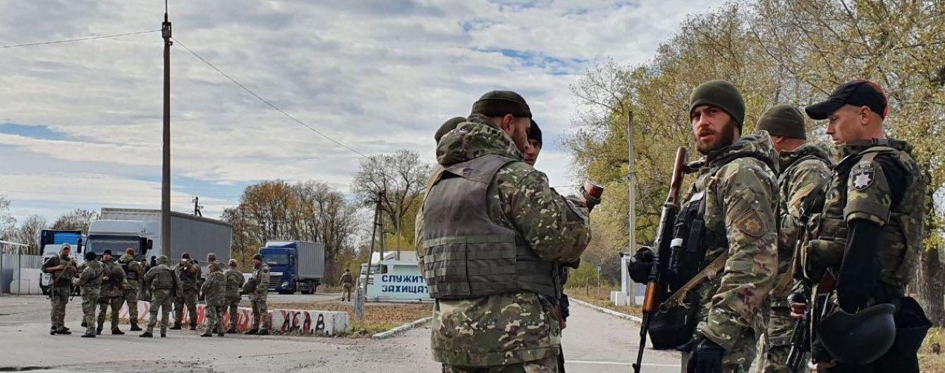 """""""Повторюється ситуація 2014 року"""": командир добровольців готується тримати фронт на Луганщині"""