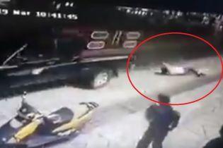 В Мексике мэра привязали к пикапу и протянули по улицам из-за недостроенной дороги