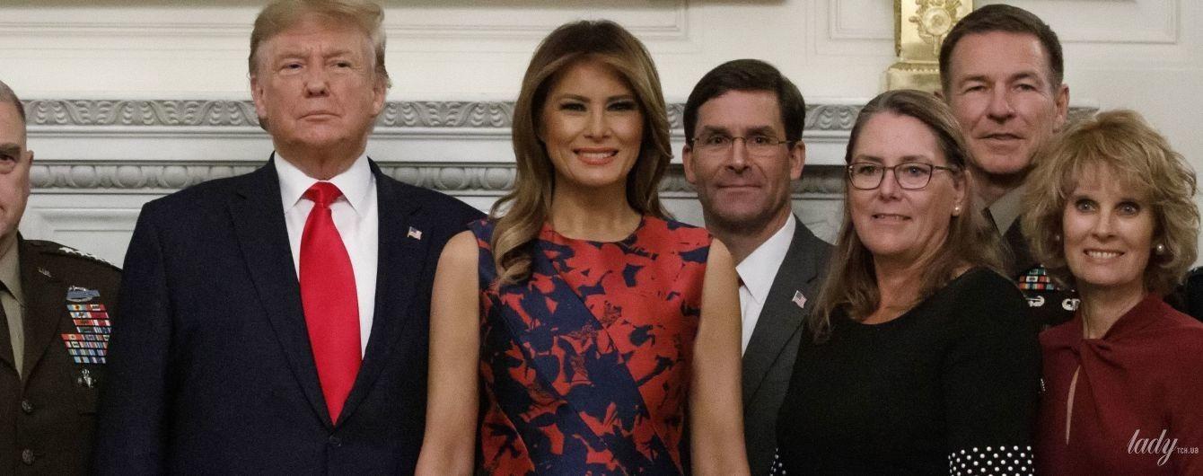 В красивом платье и с улыбкой: жизнерадостная Мелания Трамп на обеде в Белом доме