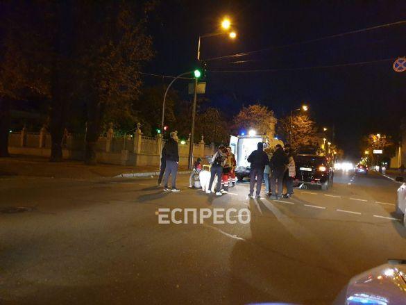 Позашляховик збив жінку на Грушевського 4.10.2019_02