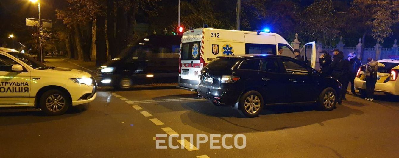 У Києві на Грушевського джип збив жінку на пішохідному переході