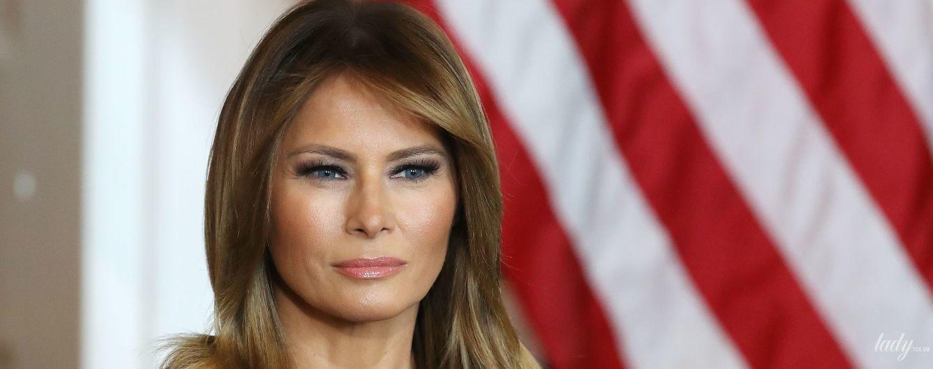 В сером платье и питоновых лодочках: Мелания Трамп на встрече с подростками