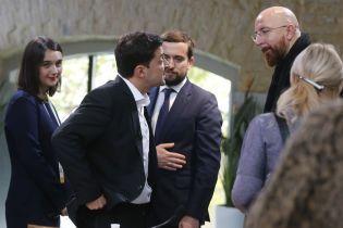 У Зеленского объяснили, почему выбрали фудкорт для общения с журналистами