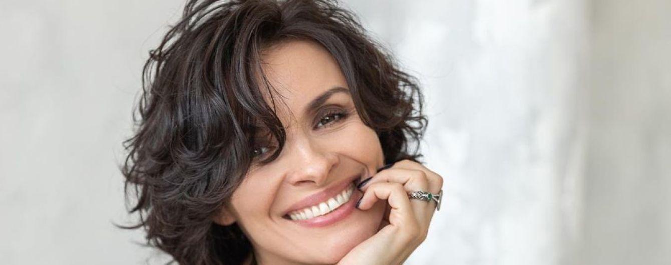 38-річна Надія Мейхер захопила фанів поперечним шпагатом