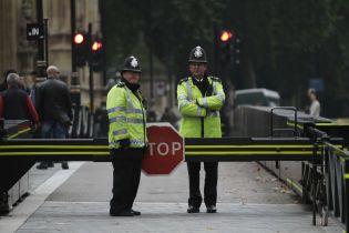 В Лондоне за час зарезали двух подростков. Нападавшего ищут