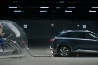 "Hyundai ""травила"" олимпийскую чемпионку выхлопами водородного авто"