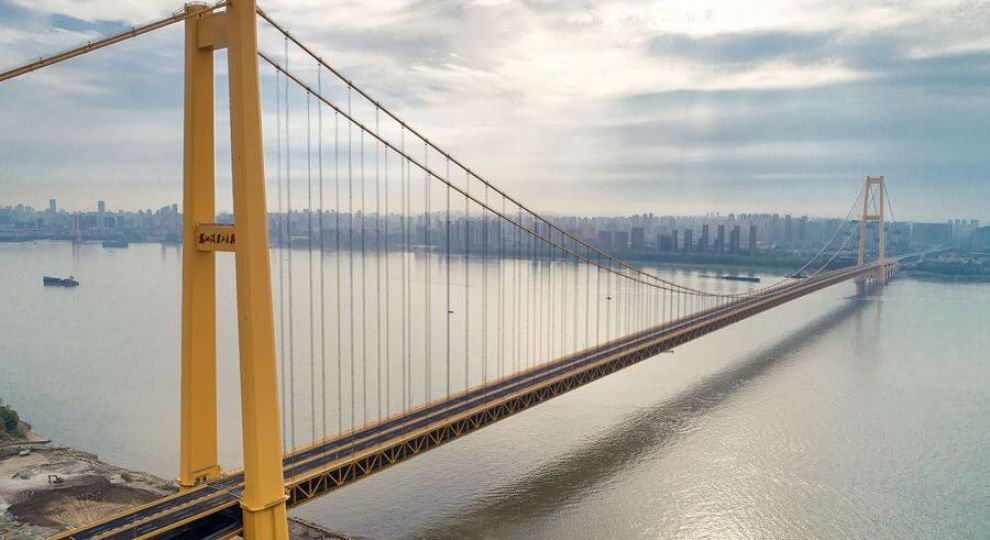 У Китаї відкрили найдовший двоповерховий міст у світі